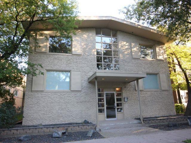 Main Photo: 9 310 Stradbrook Avenue in Winnipeg: Osborne Village Condominium for sale (1B)  : MLS®# 202028710