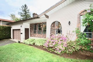 Photo 3: 2421 Aladdin Crescent in Abbotsford: Abbotsford East House for sale : MLS®# R2577565