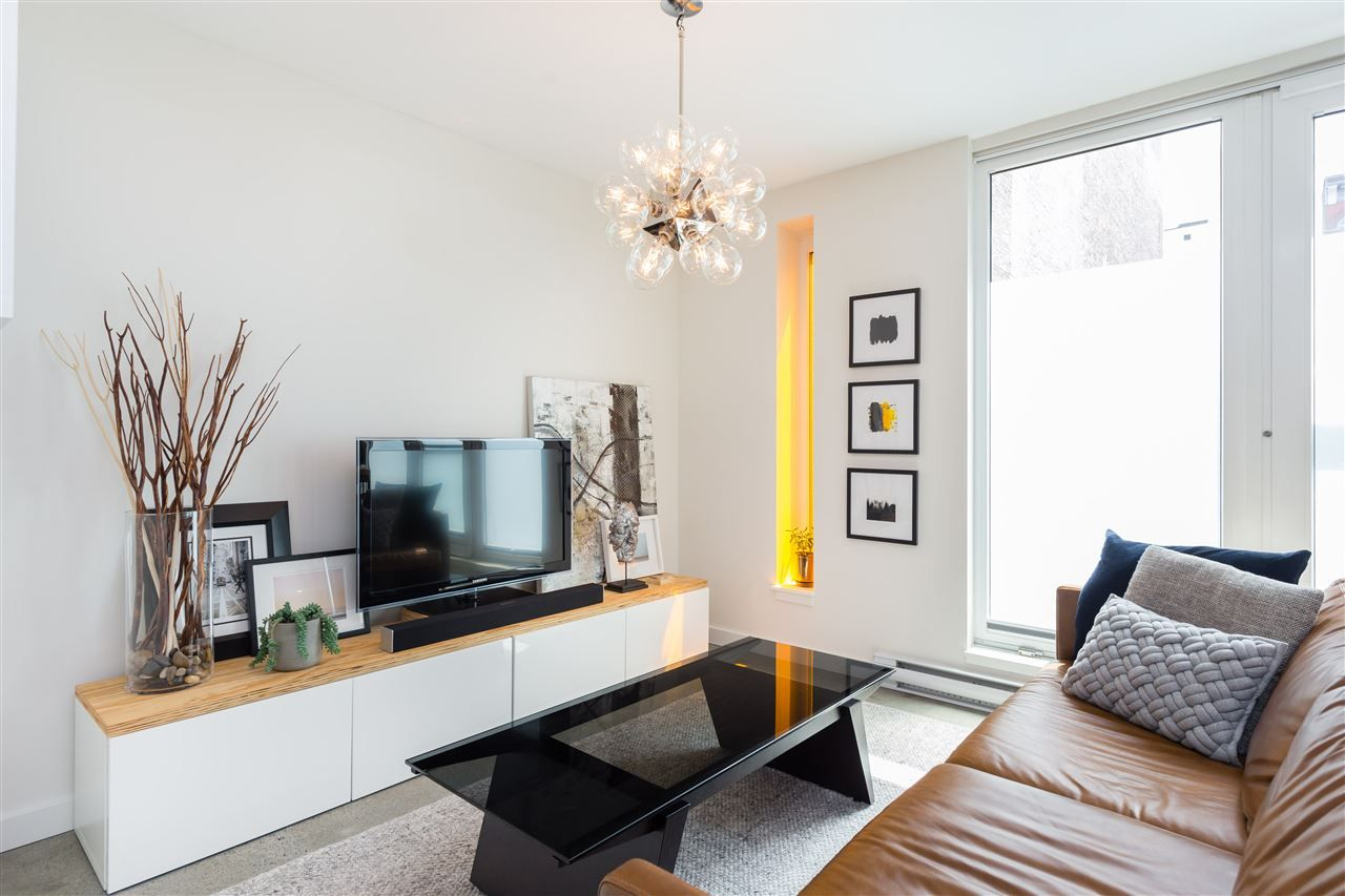 Main Photo: 310 150 E CORDOVA STREET in Vancouver: Downtown VE Condo for sale (Vancouver East)  : MLS®# R2413027