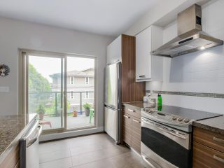 Photo 10: 206 1273 MARINE Drive in North Vancouver: Norgate Condo for sale : MLS®# R2070579