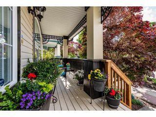 """Photo 4: 18461 67A Avenue in Surrey: Cloverdale BC House for sale in """"Heartland"""" (Cloverdale)  : MLS®# R2456521"""