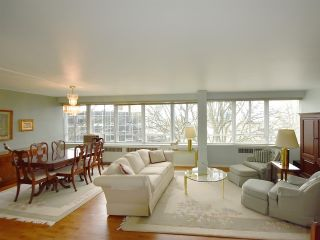 """Photo 2: 408 1445 MARPOLE Avenue in Vancouver: Fairview VW Condo for sale in """"HYCROFT TOWERS"""" (Vancouver West)  : MLS®# R2047974"""