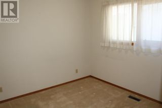 Photo 11: 11 Erminedale Bay N in Lethbridge: House for sale : MLS®# A1093060