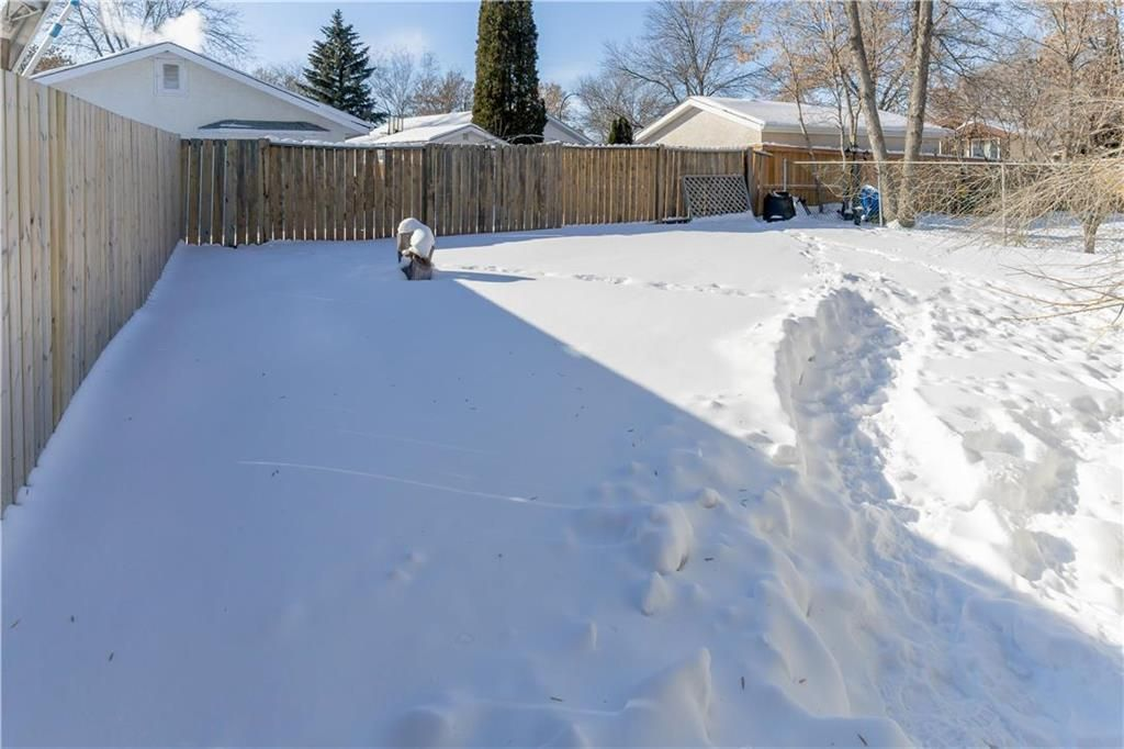 Photo 18: Photos: 114 Laurent Drive in Winnipeg: Richmond Lakes Residential for sale (1Q)  : MLS®# 202002780