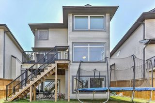 Photo 2: 119 CRESTMONT Drive SW in Calgary: Crestmont Detached for sale : MLS®# C4205113