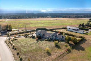 Photo 3: 205 Connemara Rd in : CV Comox (Town of) House for sale (Comox Valley)  : MLS®# 887133