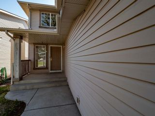 Photo 3: 22 Somercrest Close SW in Calgary: Somerset Detached for sale : MLS®# A1125013
