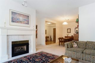 """Photo 5: 110 3777 W 8TH Avenue in Vancouver: Point Grey Condo for sale in """"THE CUMBERLAND"""" (Vancouver West)  : MLS®# R2461300"""