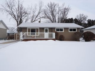 Photo 1: 10 Radisson Avenue in Portage la Prairie: House for sale : MLS®# 202103465