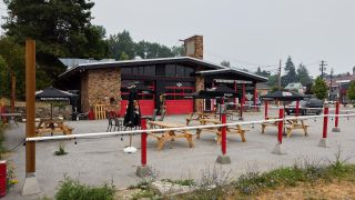 Photo 2: 1890 COLUMBIA AVENUE in Rossland: Retail for sale : MLS®# 2460395