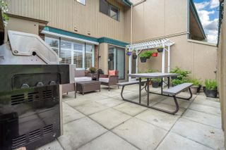 """Photo 25: 36 5850 177B Street in Surrey: Cloverdale BC Townhouse for sale in """"Dogwood Gardens"""" (Cloverdale)  : MLS®# R2613393"""