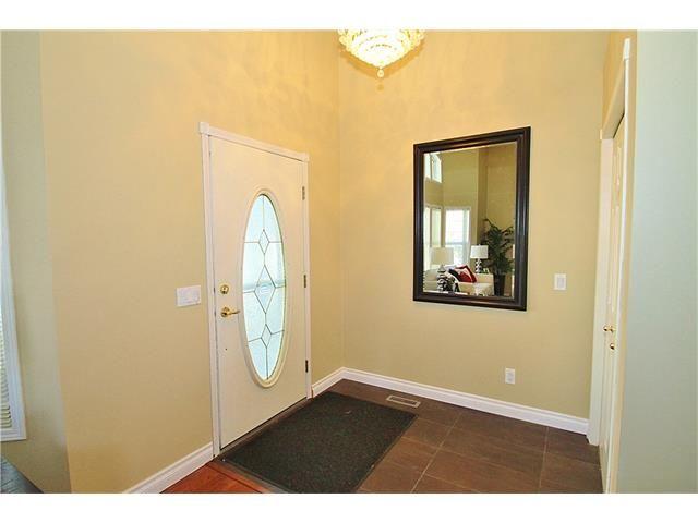 Photo 2: Photos: 122 HIDDEN RANCH Circle NW in Calgary: Hidden Valley House for sale : MLS®# C4075298