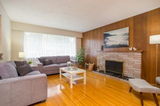 Photo 5: 2418 WARRENTON Avenue in Coquitlam: Central Coquitlam House for sale : MLS®# R2537280