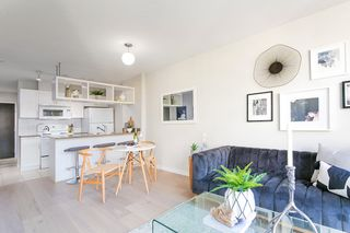 """Photo 4: 1321 938 SMITHE Street in Vancouver: Downtown VW Condo for sale in """"ELECTRIC AVENUE"""" (Vancouver West)  : MLS®# R2338618"""