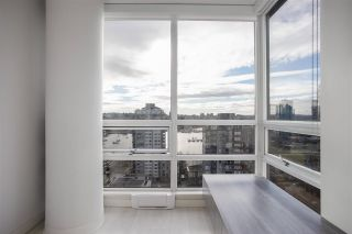 "Photo 15: 2301 1201 MARINASIDE Crescent in Vancouver: Yaletown Condo for sale in ""The Peninsula"" (Vancouver West)  : MLS®# R2556097"