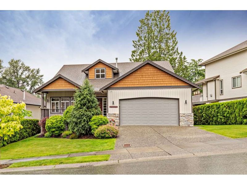 FEATURED LISTING: 35697 LEDGEVIEW Drive Abbotsford