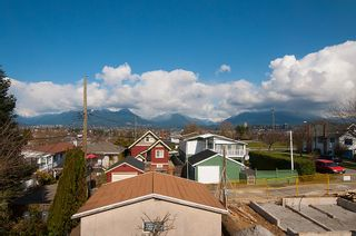 Photo 25: 3191 East 6th Avenue in Vancouver: Home for sale : MLS®# V1054407