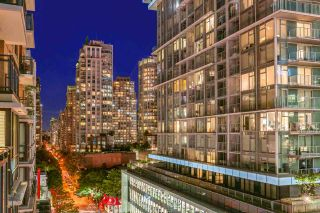 """Photo 6: 1017 788 RICHARDS Street in Vancouver: Downtown VW Condo for sale in """"L'HERMITAGE"""" (Vancouver West)  : MLS®# R2388898"""