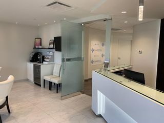 Photo 1: 101 28 Gateway Drive NE: Airdrie Office for sale : MLS®# A1142824