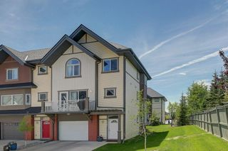 Photo 2: 1707 WENTWORTH Villa SW in Calgary: West Springs Row/Townhouse for sale : MLS®# C4253593