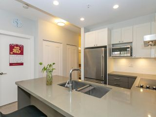 """Photo 8: 211 3399 NOEL Drive in Burnaby: Sullivan Heights Condo for sale in """"CAMERON"""" (Burnaby North)  : MLS®# R2465888"""