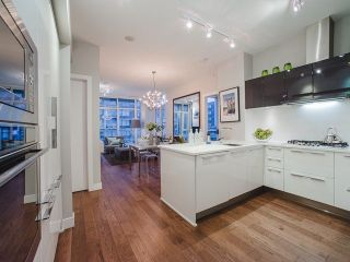 Photo 8: 809 108 E 1ST Avenue in Vancouver: Mount Pleasant VE Condo for sale (Vancouver East)  : MLS®# R2236809