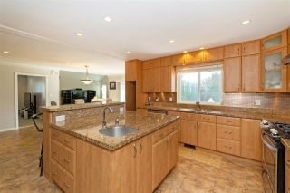 Photo 11: 6638 122A STREET in Surrey: West Newton House for sale : MLS®# R2555017
