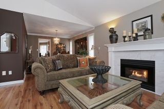 "Photo 4: 17102 57 Avenue in Surrey: Cloverdale BC House for sale in ""RICHARSDON RIDGE"" (Cloverdale)  : MLS®# R2010265"