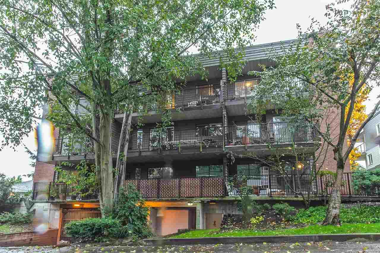 "Main Photo: 301 1365 E 7TH Avenue in Vancouver: Grandview VE Condo for sale in ""McLEAN GARDENS"" (Vancouver East)  : MLS®# R2121114"