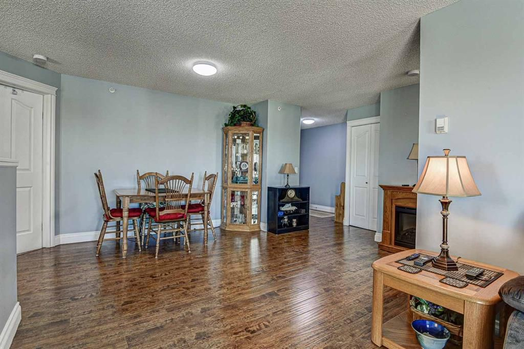 Photo 9: Photos: 414 6000 Somervale Court SW in Calgary: Somerset Apartment for sale : MLS®# A1126946