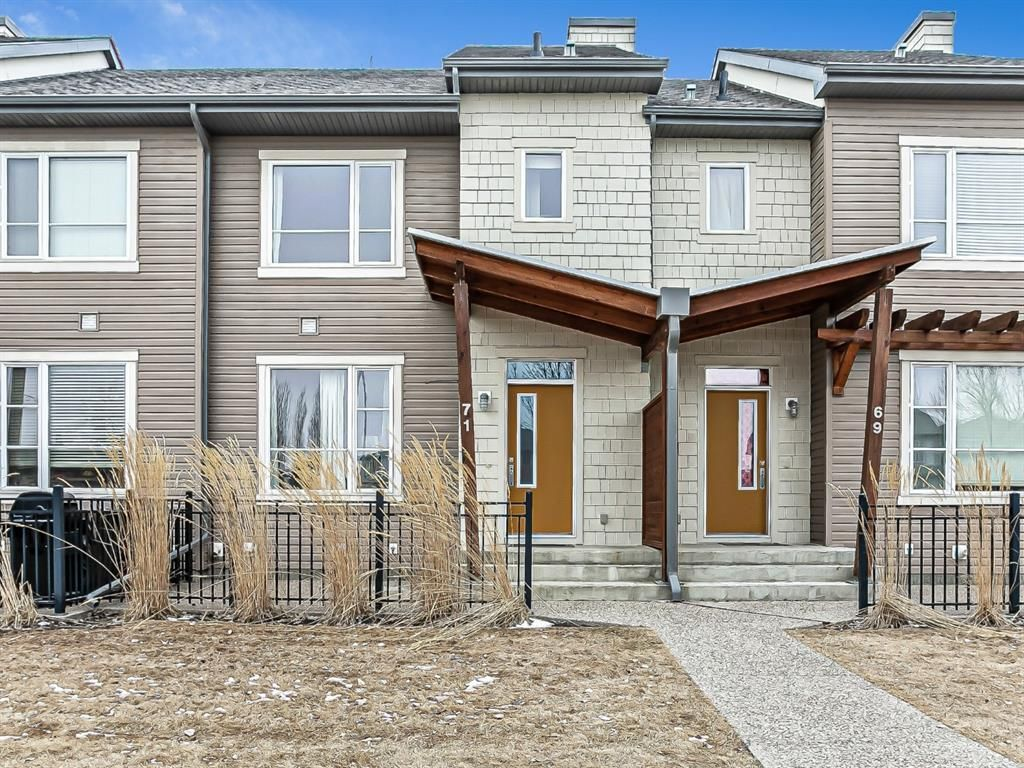 Main Photo: 71 CHAPALINA Square SE in Calgary: Chaparral Row/Townhouse for sale : MLS®# A1085856