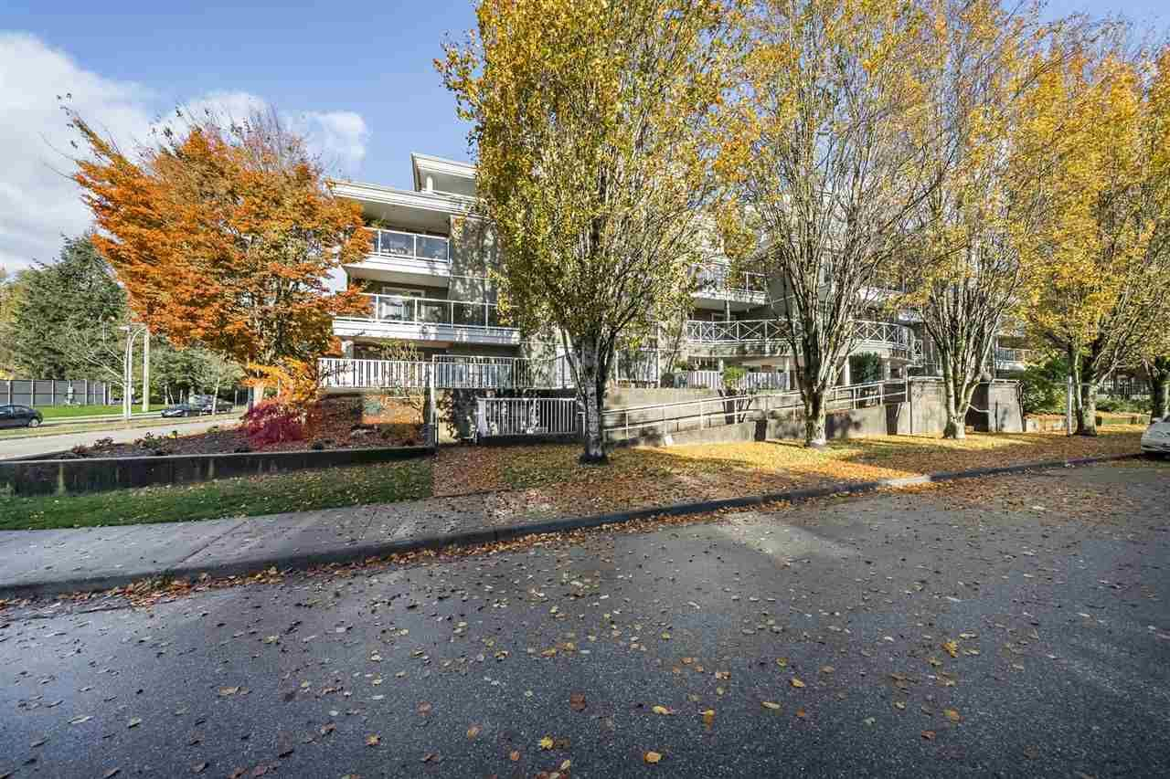 "Main Photo: 306 2485 ATKINS Avenue in Port Coquitlam: Central Pt Coquitlam Condo for sale in ""THE ESPLANADE"" : MLS®# R2320122"