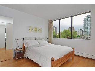 Photo 1: 602 1725 PENDRELL Street in Vancouver West: Home for sale : MLS®# V1122260