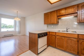"Photo 8: 308 5360 205 Street in Langley: Langley City Condo for sale in ""Parkway Estates"" : MLS®# R2496597"