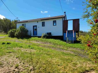 Photo 2: 40 Green Road in East Walton: 105-East Hants/Colchester West Residential for sale (Halifax-Dartmouth)  : MLS®# 202123637