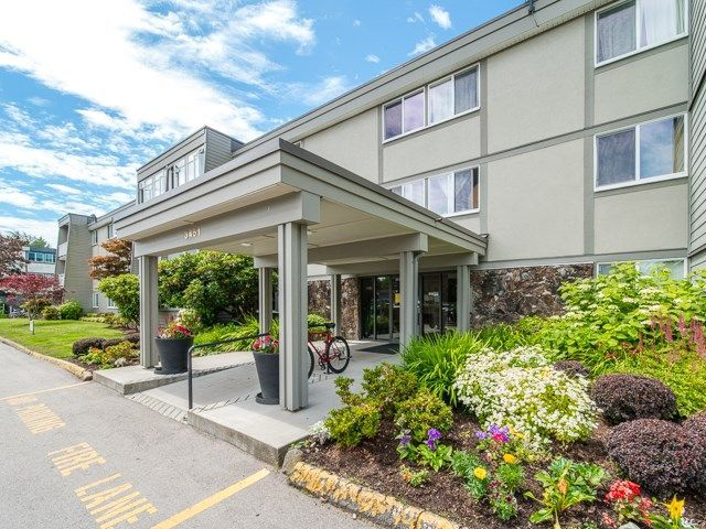 """Main Photo: 129 3451 SPRINGFIELD Drive in Richmond: Steveston North Condo for sale in """"Imperial by the Sea/ Admiral Court"""" : MLS®# R2285548"""