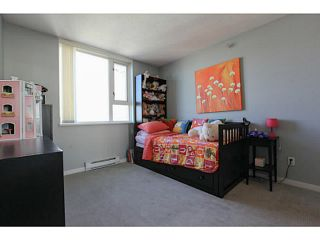 """Photo 10: 2206 120 MILROSS Avenue in Vancouver: Mount Pleasant VE Condo for sale in """"THE BRIGHTON"""" (Vancouver East)  : MLS®# V1108623"""
