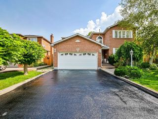 Photo 3: 452 Hedgerow Lane in Oakville: Iroquois Ridge North House (2-Storey) for sale : MLS®# W5355306