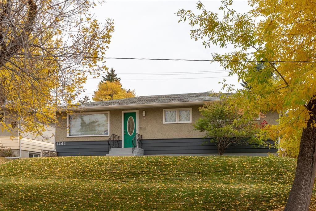 Main Photo: 1444 16 Street NE in Calgary: Mayland Heights Detached for sale : MLS®# A1074923