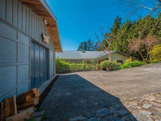 Photo 3: 5220 CLAYDON Road in Garden Bay: Pender Harbour Egmont House for sale (Sunshine Coast)  : MLS®# R2573318