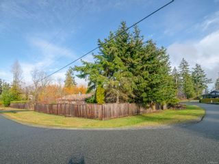 Photo 3: 2230 Neil Dr in : Na South Jingle Pot House for sale (Nanaimo)  : MLS®# 862904
