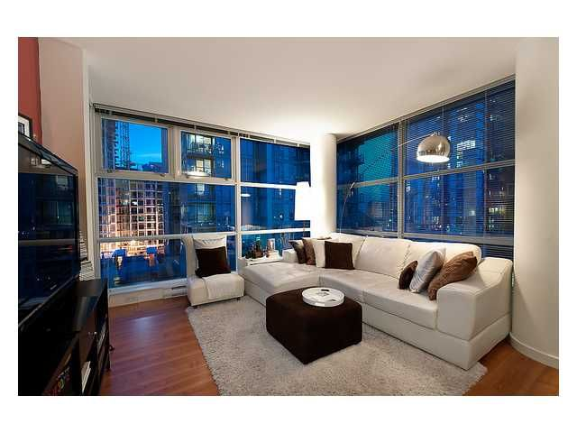 """Main Photo: # 706 111 W GEORGIA ST in Vancouver: Downtown VW Condo for sale in """"111 WEST GEORGIA"""" (Vancouver West)  : MLS®# V911690"""