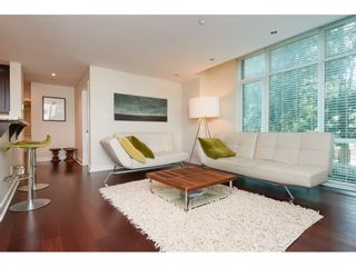"""Photo 5: 202 14824 NORTH BLUFF Road: White Rock Condo for sale in """"The Belaire"""" (South Surrey White Rock)  : MLS®# R2405927"""