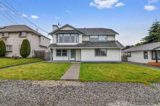 Photo 1: 5764 184 Street in Surrey: Cloverdale BC House for sale (Cloverdale)  : MLS®# R2467153