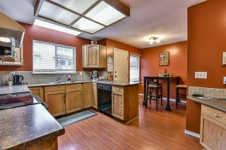 """Photo 8: 102 15501 89A Avenue in Surrey: Fleetwood Tynehead Townhouse for sale in """"AVONDALE"""" : MLS®# R2048806"""