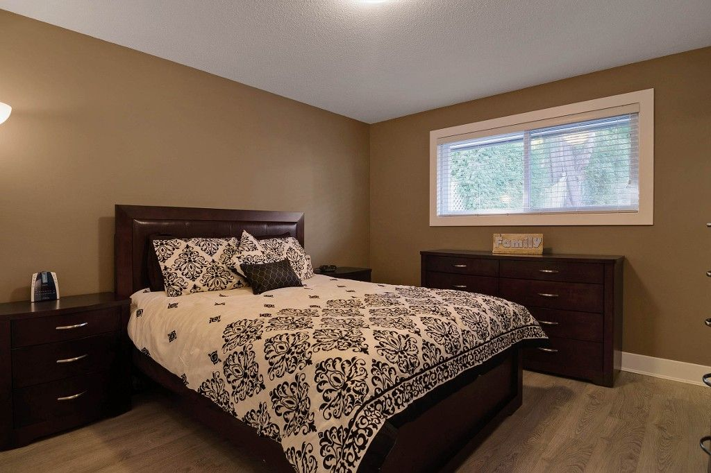 Photo 8: Photos: 2994 PASTURE Circle in Coquitlam: Ranch Park House for sale : MLS®# V1108393