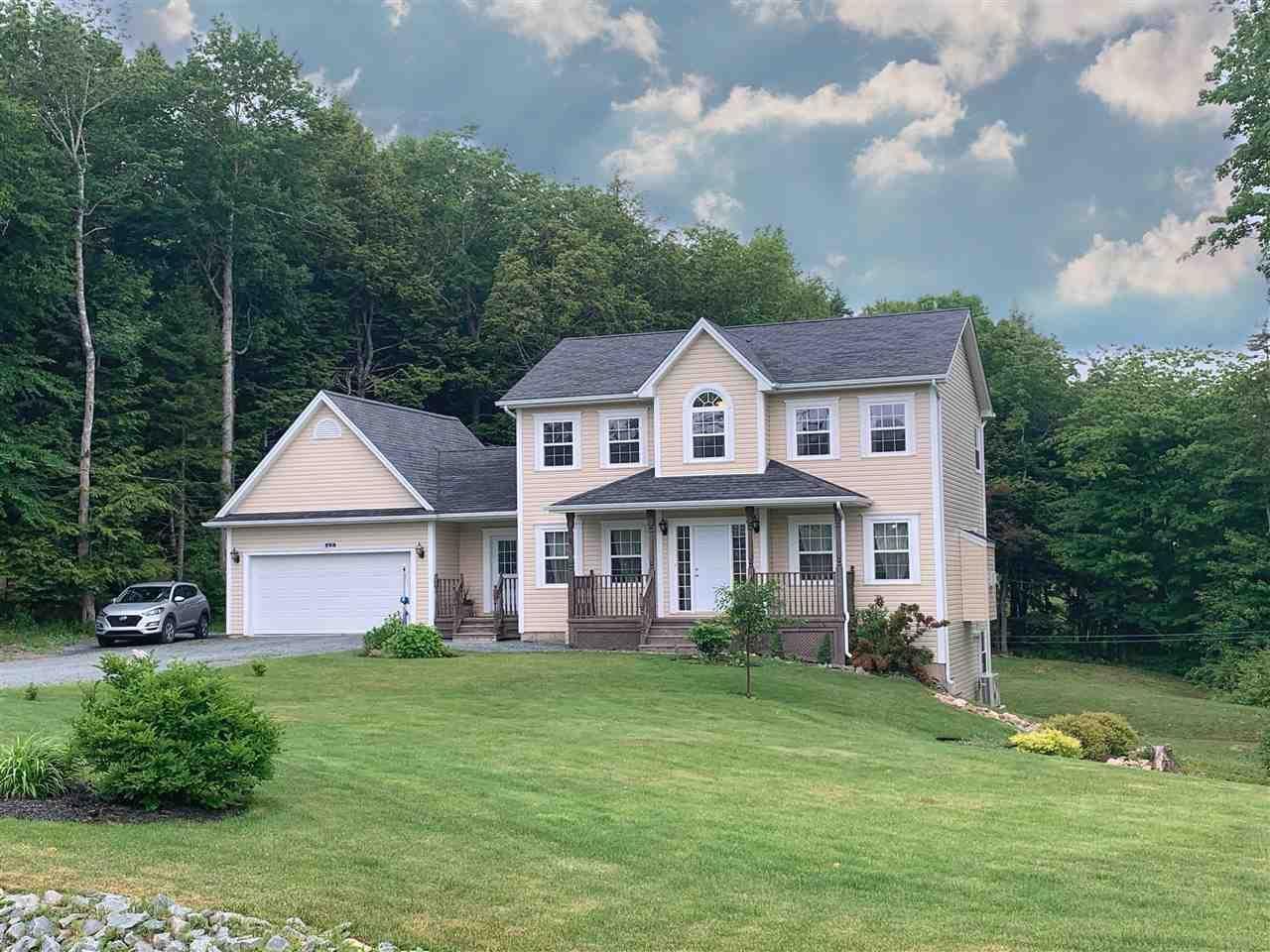 Main Photo: 60 Kenneth Drive in Beaver Bank: 26-Beaverbank, Upper Sackville Residential for sale (Halifax-Dartmouth)  : MLS®# 202011274