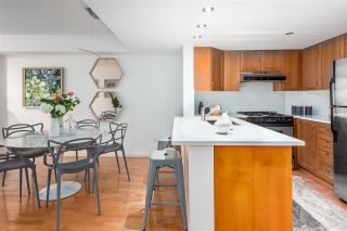 """Photo 10: 306 2161 W 12TH Avenue in Vancouver: Kitsilano Condo for sale in """"The Carlings"""" (Vancouver West)  : MLS®# R2319744"""