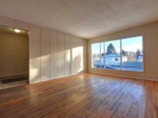 Photo 2: 536 20 Avenue NW in CALGARY: Mount Pleasant Duplex Side By Side for sale (Calgary)  : MLS®# C3598211