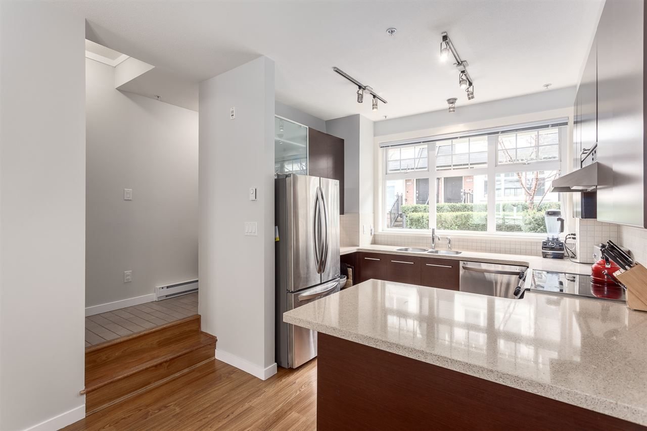 Photo 9: Photos: 3720 WELWYN STREET in Vancouver: Victoria VE Townhouse for sale (Vancouver East)  : MLS®# R2158013